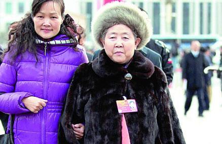 陶华碧:把老干妈卖到外国去,赚外国人的钱