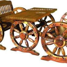 供应防腐木休闲双人车轮桌 实木桌