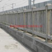 青岛济南高铁铸造护栏图片
